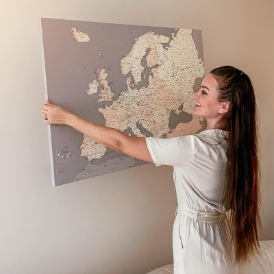 Wand-Europa-Karte-Pinnwand-Grau-creme-Detailliert