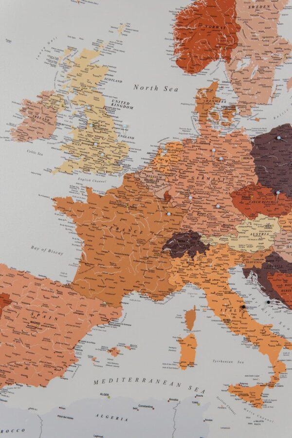Europa Pinnwand Karte – Braun