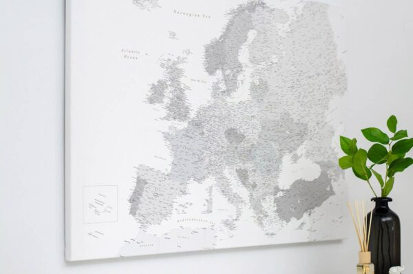 PINNWAND-EUROPAKARTEN-grau-detailliert