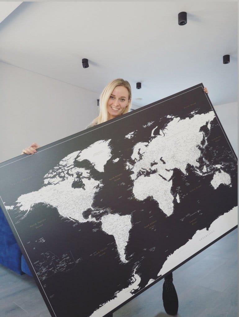Gross-Schwarz-Weiss-Welt-Karte-Pinnwand