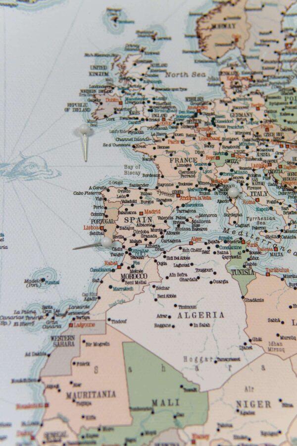 Welt Pinnwand Karte Retro hellblau