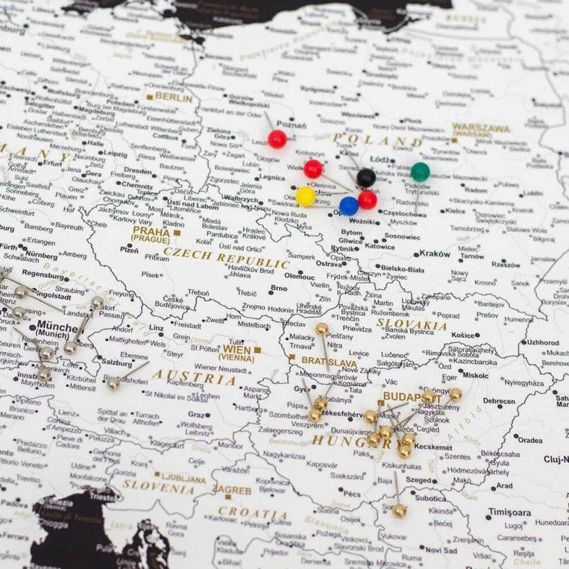 Detailliert-Europa-Karte-Modernes-Schwarz