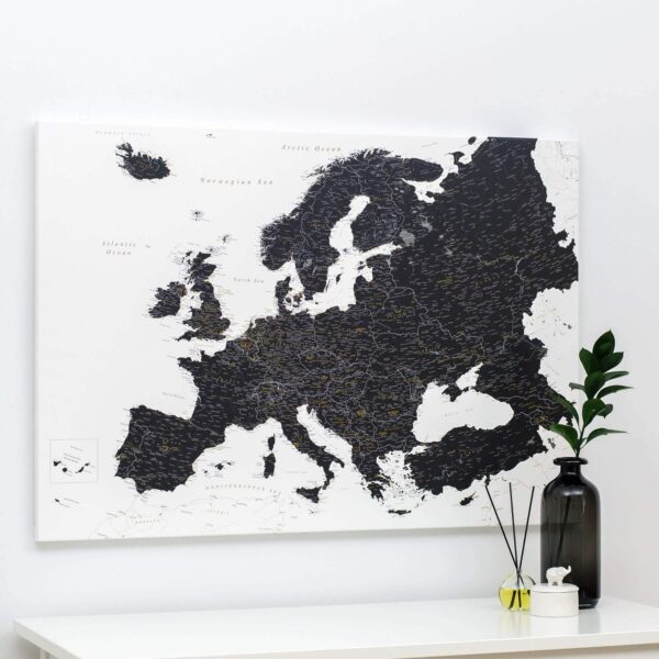 Europa-Pinnwand-Karte-Schwarzweiß-tripmapworld.de