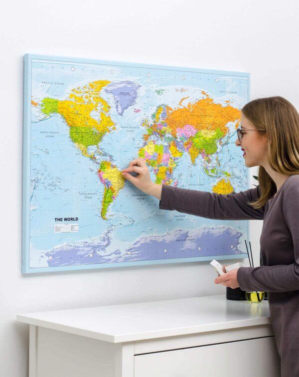 Klassisch-Pinnwand-Weltkarten-Politisch