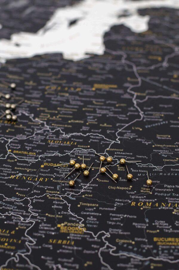 europa-karte-gold-Push-Stecknadeln