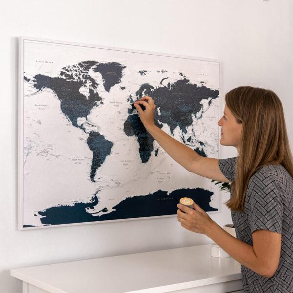 Meerblau-Pinnwand-Weltkarte-Detailliert