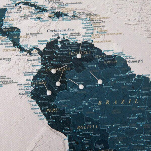 Pinnwand-Weltkarte-Meerblau-mit-pins-stecknadeln