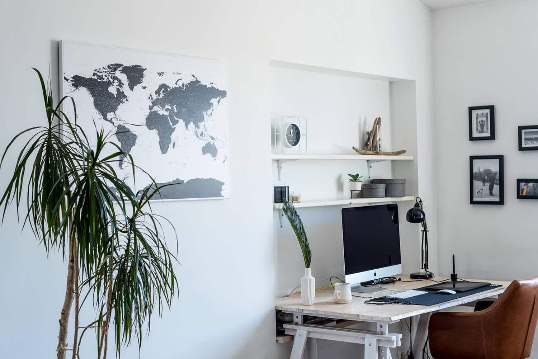 Schwarz-und-Weiß-Pinnwand-Weltkarte-wand