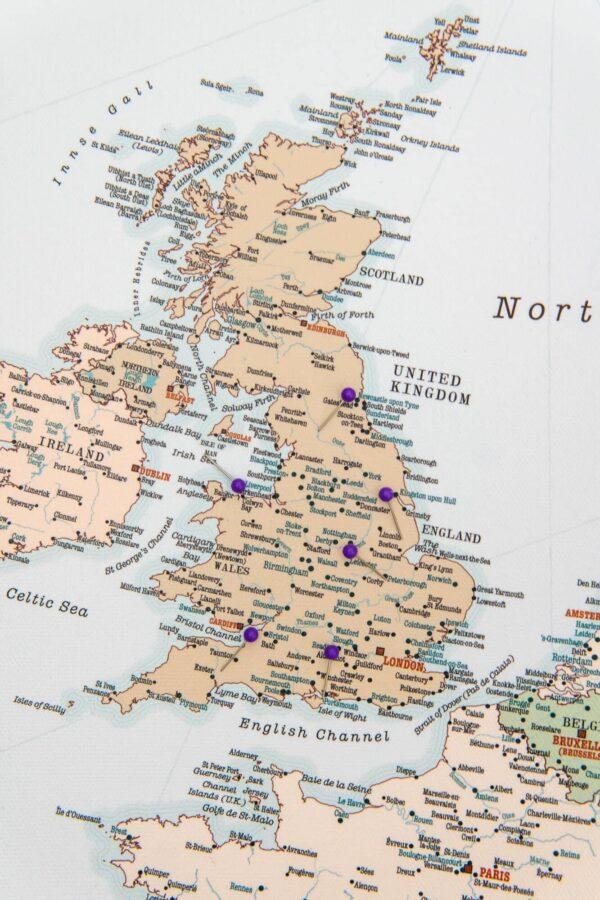 europa karte mit pins retro