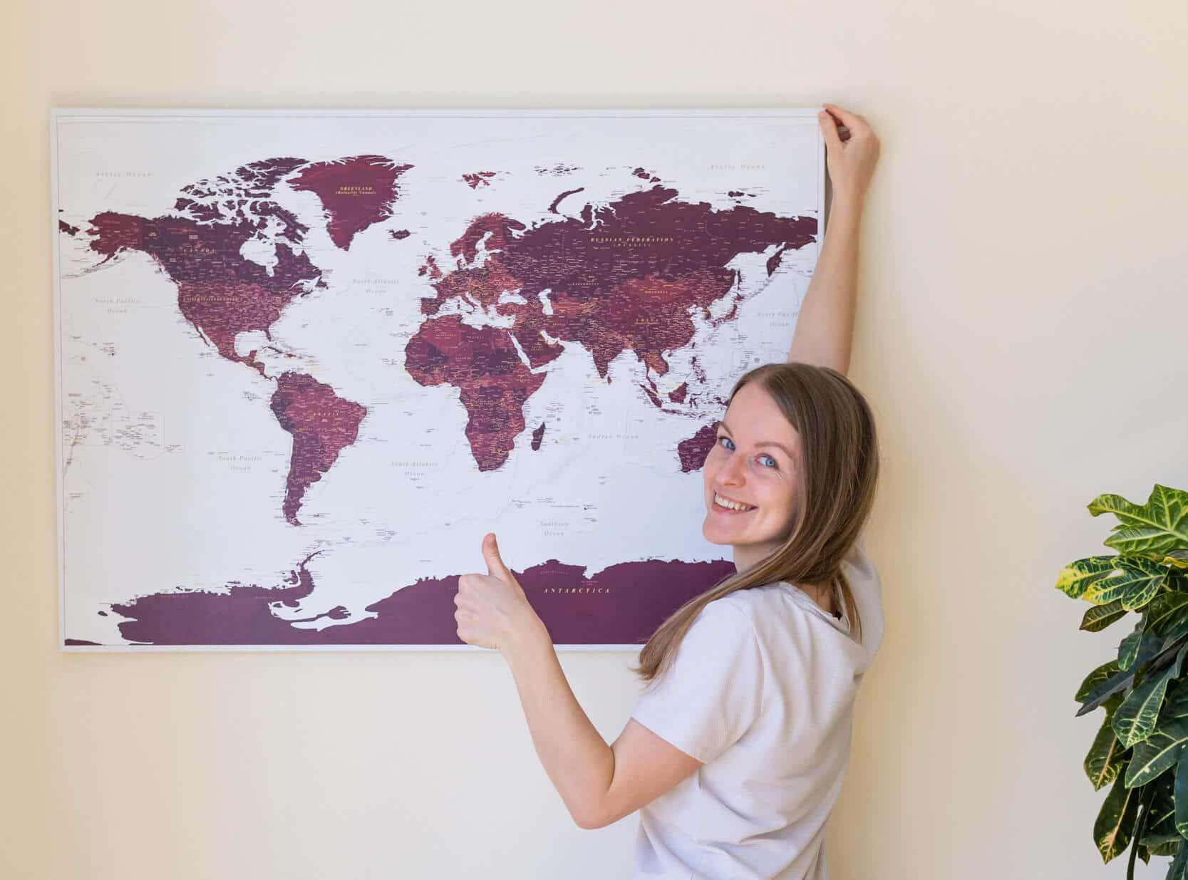 Wie hängt man eine Trip Map Reisekarte an eine Wand, ohne zu bohren