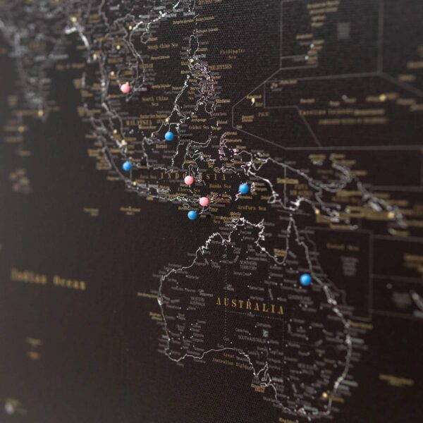 Pechschwarz-Pinnwand-Weltkarte-tripmapworld