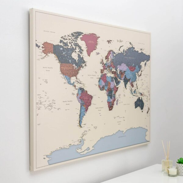 Pinnwand-Weltkarte-Weintraube-