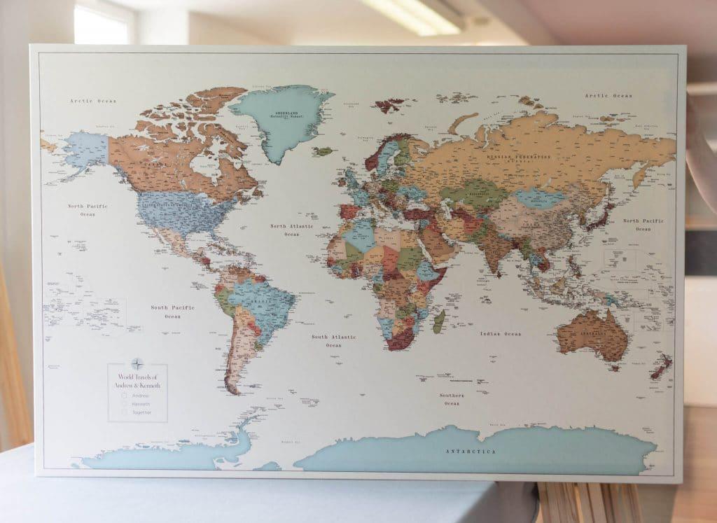personalisierte Weltkarte bunte